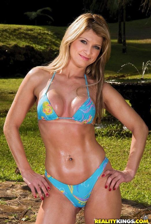 Daniella Matarazzo - Fountain Of Cum - Mike In Brazil