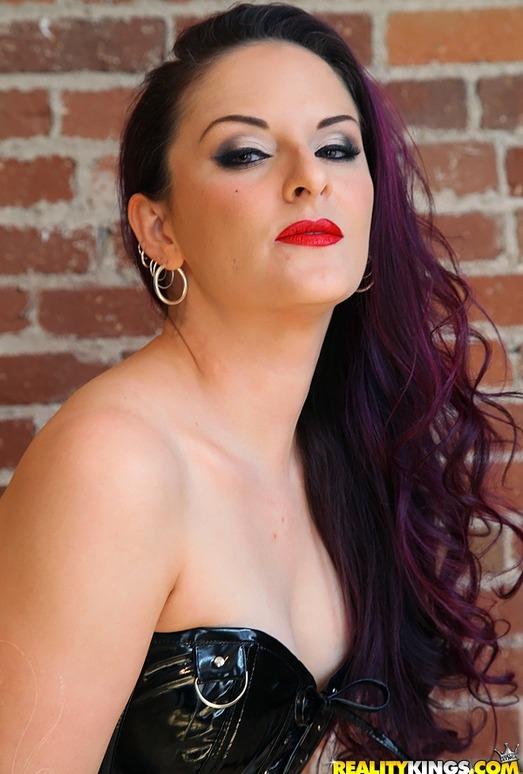 Caroline Pierce - Sweet Caroline - Monster Curves