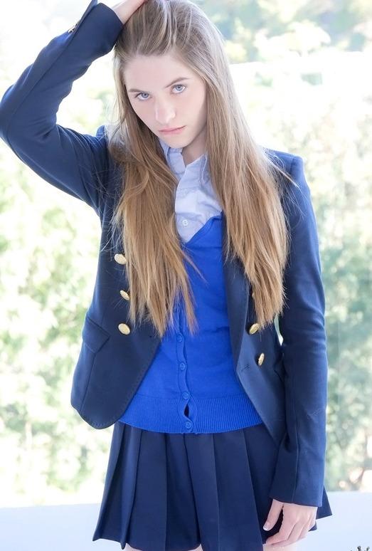 Alice March - Amazing Alice - Pure 18