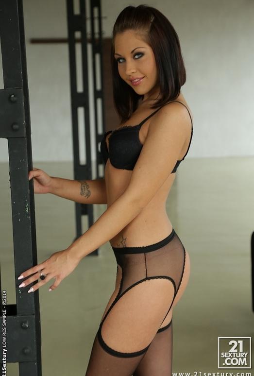 Bianca Pearl - 21 Sextury