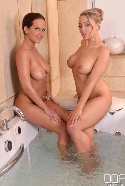 Beth & Eve - Euro Girls on Girls