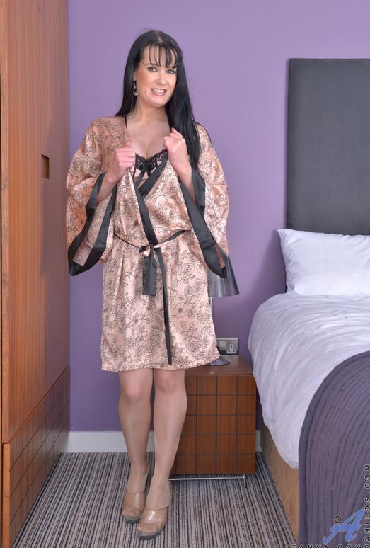 Tanya Cox - Big Tits - Anilos