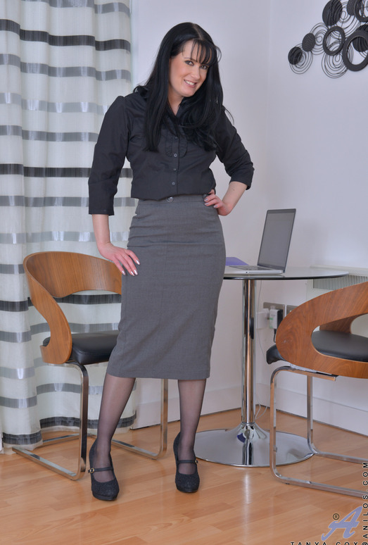 Tanya Cox - The Hot Secretary