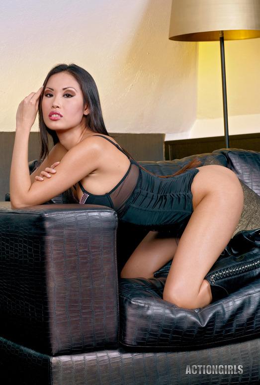 Danika Flores - Actiongirls