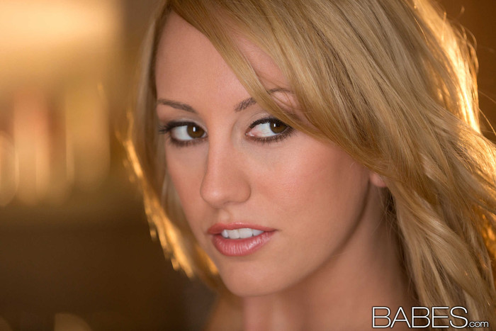 Hungry For Love - Brett Rossi