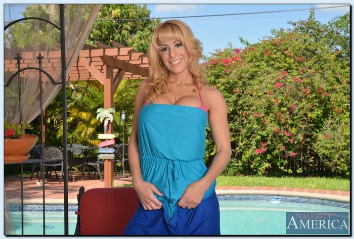 Alyssa Lynn - My Friend's Hot Mom