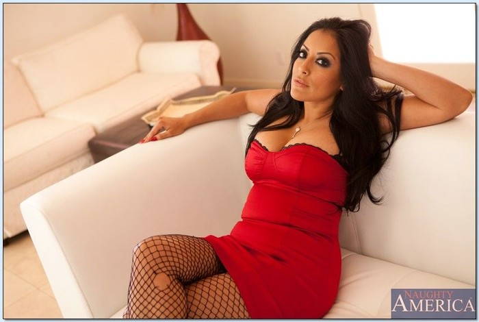 Kiara Mia - Latin Adultery