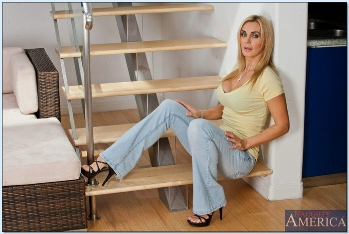 Tanya Tate - My Friend's Hot Mom