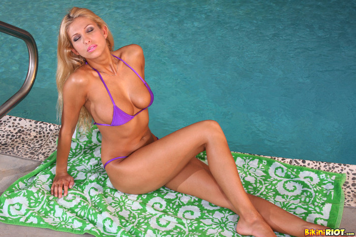 Clara G - Sexy Purple G-string & Dildo