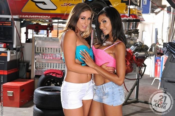 Rylinn Rae, Sadie Santana