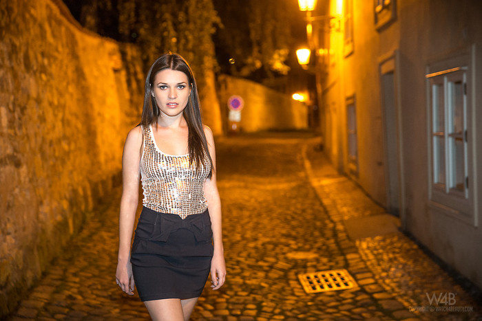 Night Walk - Serena - Watch4Beauty