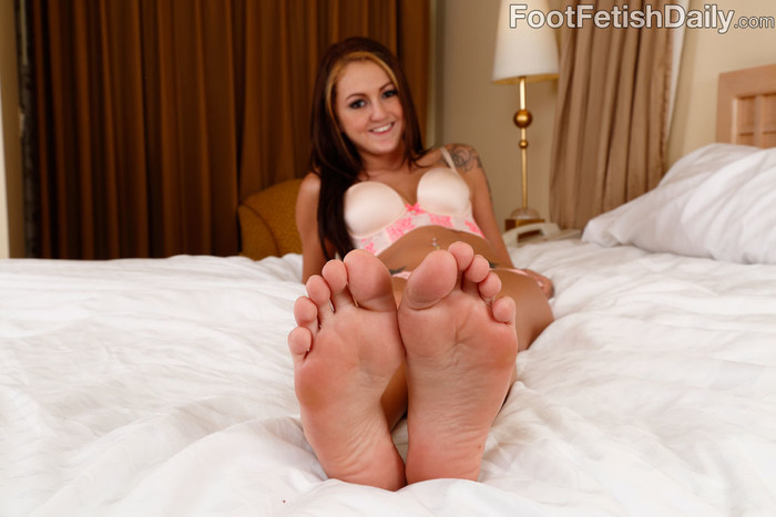 Kendra Cole Fucked by a Big Black Cock and Gives a Footjob