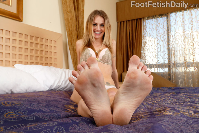 Natasha Starr - Foot Fetish Daily