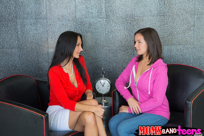 Ava Addams, Shae Summers - Learning Curve - Moms Bang Teens
