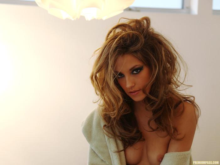 Jenna Haze, Horny and Glamorous