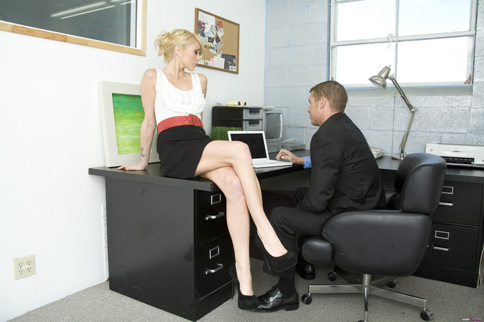 Monique Alexander Shows Office Sluts How it's Done