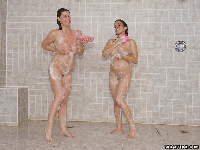 Sara Stone and Chavon Taylor - Pornstar Shower Time