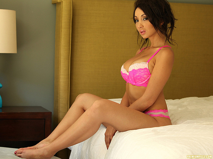 Katsuni In Your Bed, Begging For It