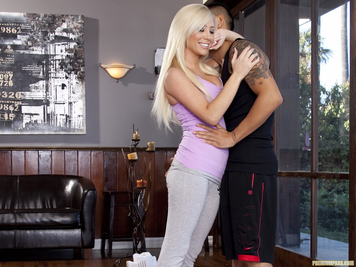 Big busted blonde Tasha Reign gets her pussy licked and nailed hardcore  1957177