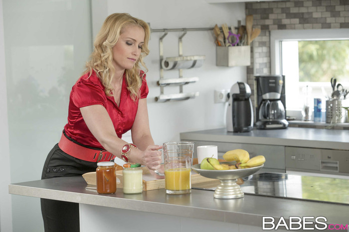 Breakfast In Bed - Gina Gerson, Kathia Nobili, Leny Ewil