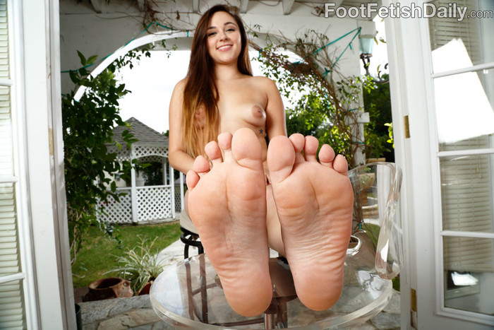 Zoey Foxx - Foot Fetish Daily
