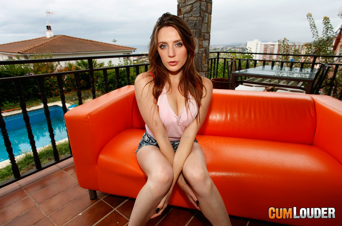 Samantha Bentley - Game of Handjobs