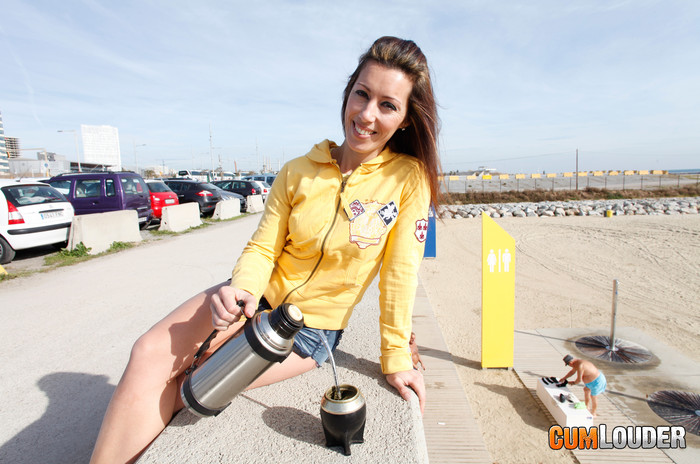 Jessica Hot - Maté with milk