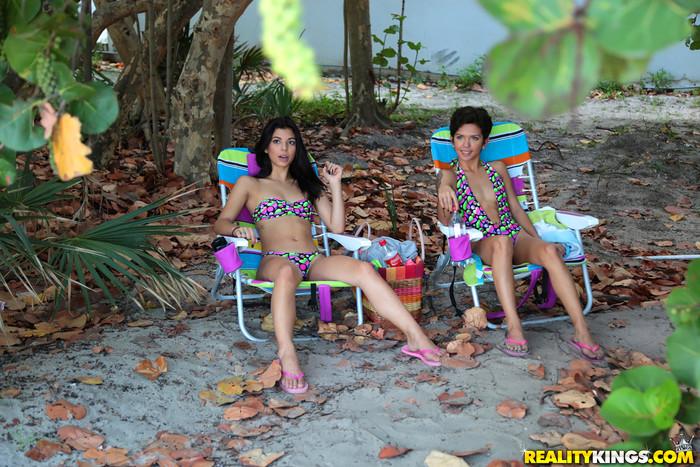 Gina Valentina, Ariana Cruz - 8th Street Latinas