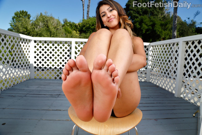 Sophia Leone Loves Her Feet Worshipped and Fucked