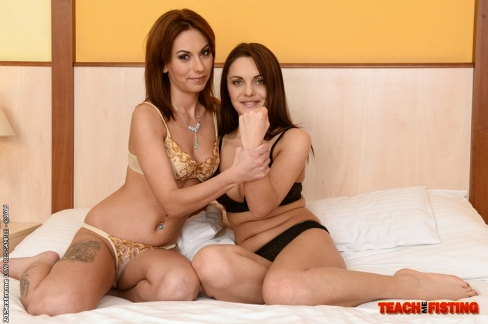 Dominica Fox - Teaching Wanessa - Teach Me Fisting