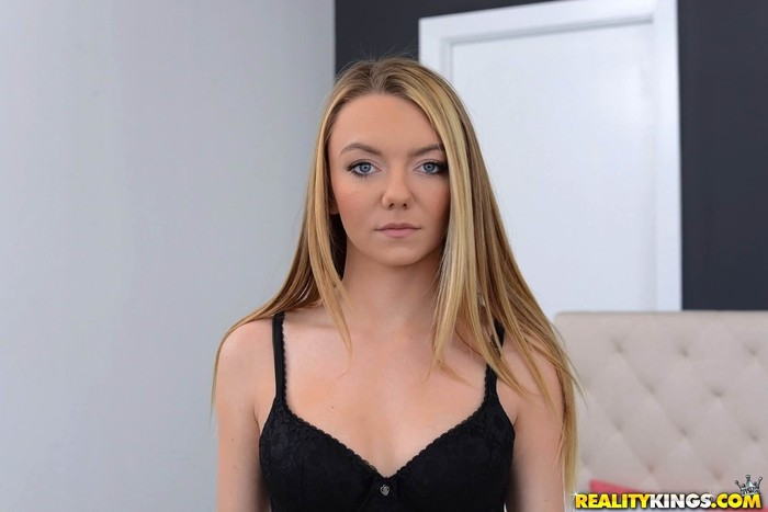 Molly Mae, Kylie Quinn - Curious Girls - We Live Together