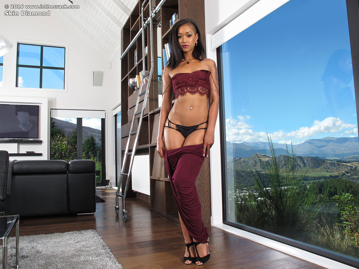 Skin Diamond's chocolatey ass