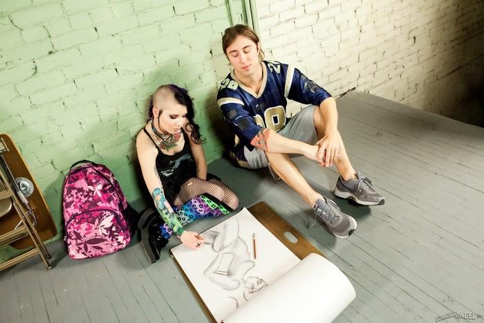 Tara Toxic - Smells Like Teen Spirit