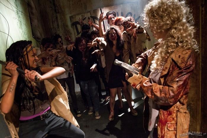 Skin Diamond, Kleio Valentien - I Hate Zombie Dick!
