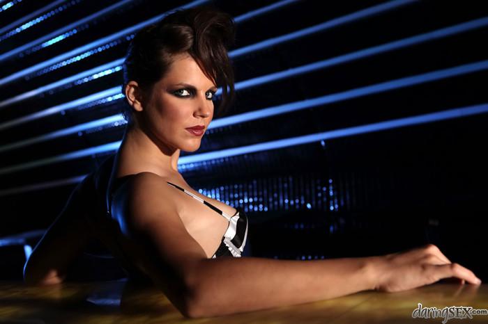 Bobbi Starr, Zenza Raggi - Into The Dark