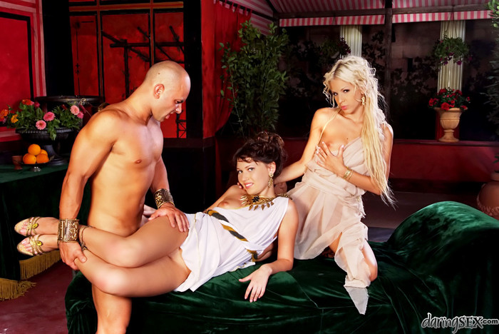 Milla Pussinova, Boroka Bolls, Cristian Devil - Roma #02
