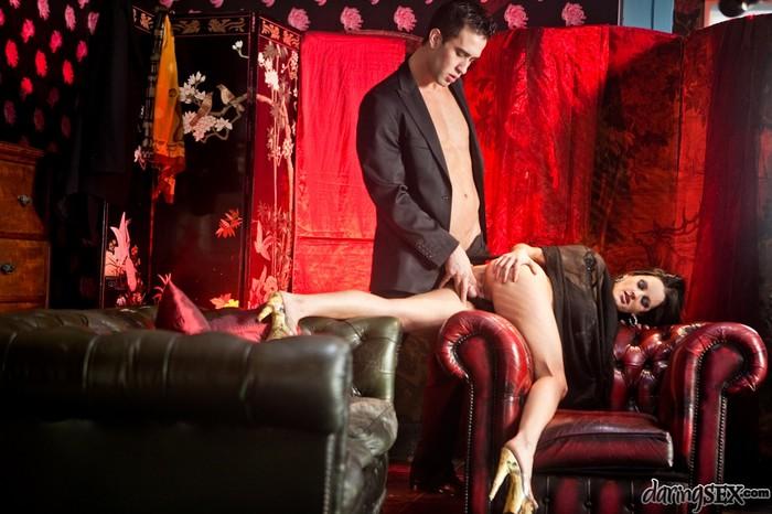 Valentina Cruz, Kai Taylor - Chic Sex