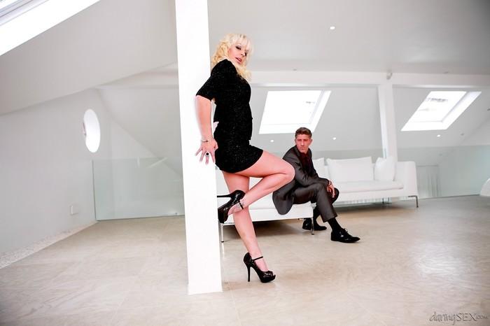 Loz Lorrimar, Mark Sloan - Radio Erotica