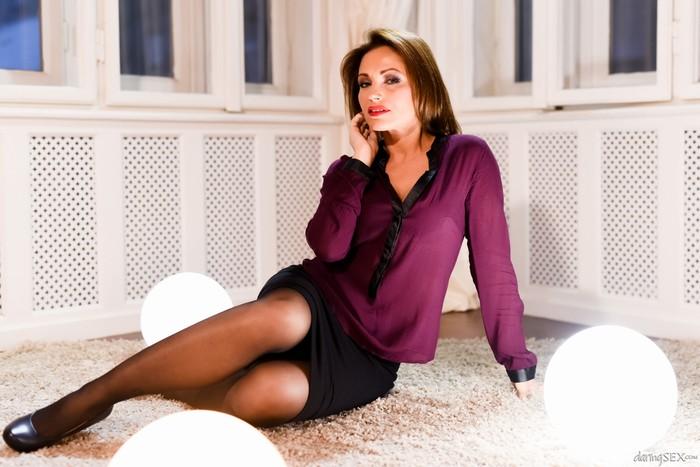 Silvia Lauren, Totti - Explicit MILF