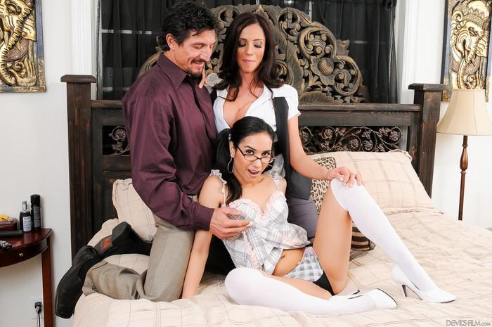 Ariella Ferrera, Tia Cyrus - Mommy You And Me Make 3