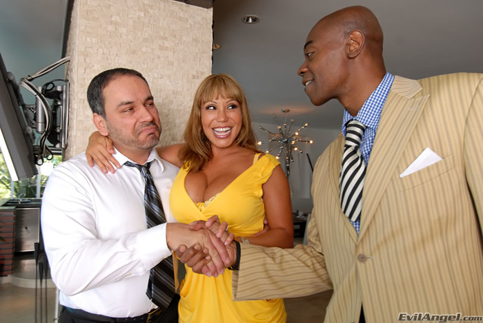 Ava Devine, Johnny Fender - Evil Cuckold