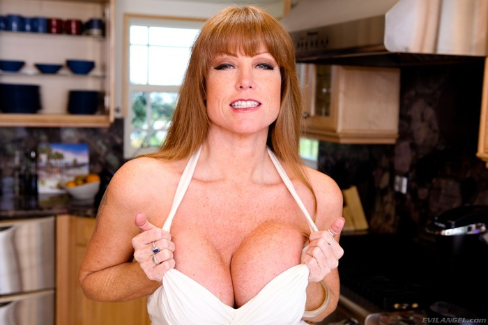 Darla Crane - Titty Creampies