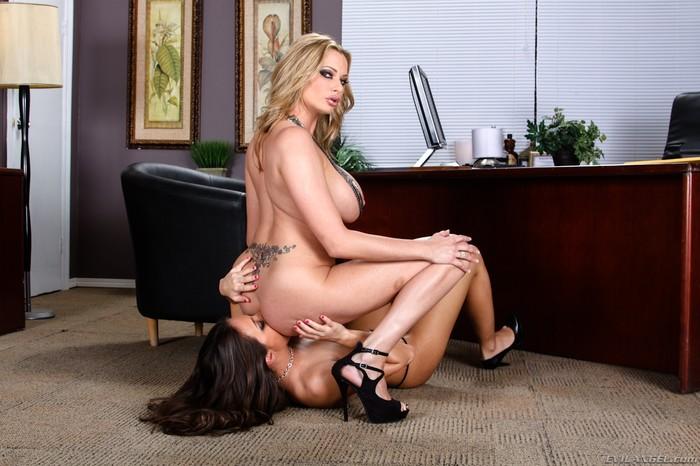 Briana Banks, Lizz Tayler - Femdom Ass Worship #09