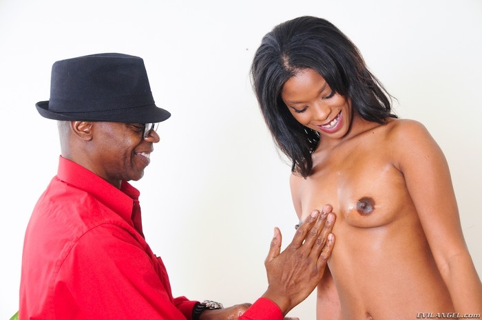 Ashlynn Sixxx - Black Diamonds #02