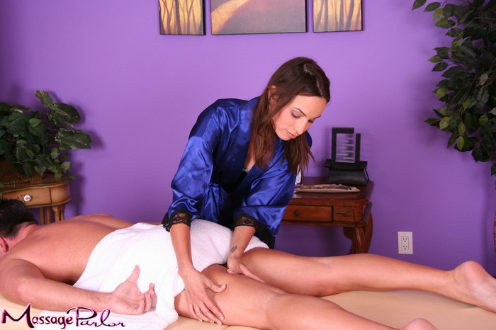 Amber Rayne - Happy Hour - Fantasy Massage