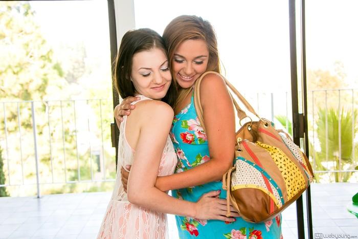 Zoey Foxx, Alexis Venton - LoveDice - Girlsway