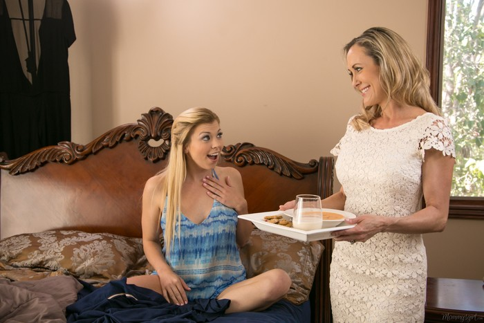 Tara Morgan, Brandi Love - A Show Of Faith - Girlsway
