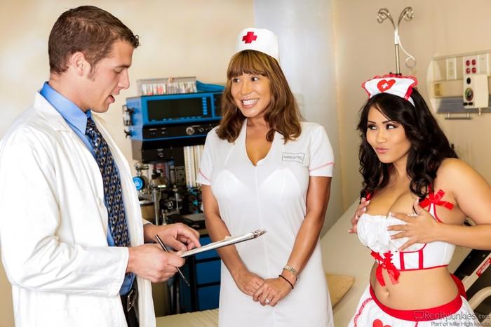Jessica Bangkok, Chris Johnnson - Big Breast Nurses #04