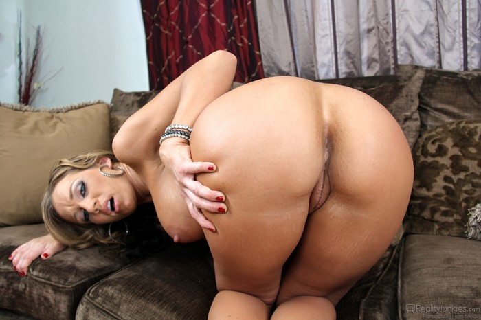 Nikki Sexx - MILFs Seeking Boys #02