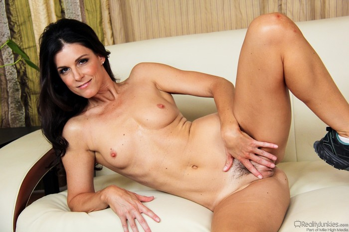 India Summer - Mom's Cuckold #10